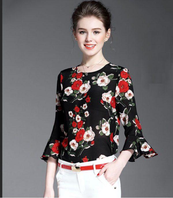 Áo kiểu họa tiết hoa hồng tay loe HENRI hình 3
