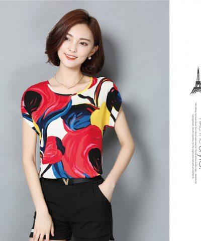 Áo kiểu tay dơi họa tiết sắc màu hình 2