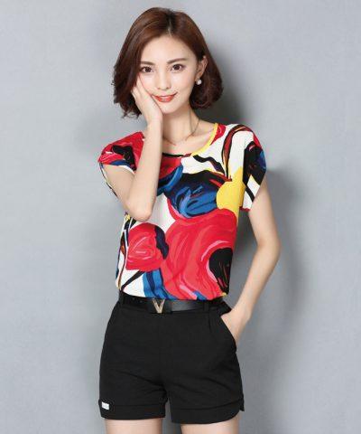 Áo kiểu tay dơi họa tiết sắc màu hình 3