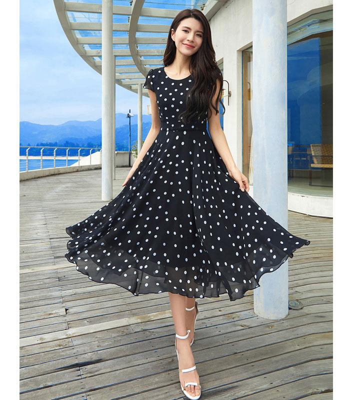 Đầm xòe dáng dài họa tiết chấm bi duyên dáng