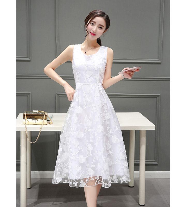 Đầm xoè ren hoa cao cấp DOLLY