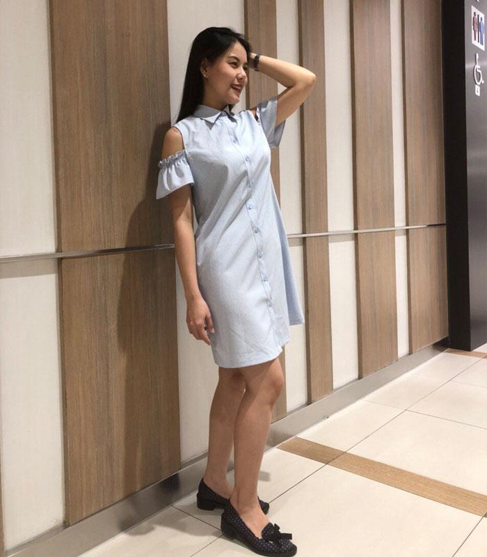 Đầm công sở cổ áo sơ mi phối trễ vai hình 1