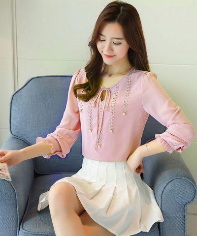 Áo kiểu phối ren đính ngọc trai cao cấp hồng