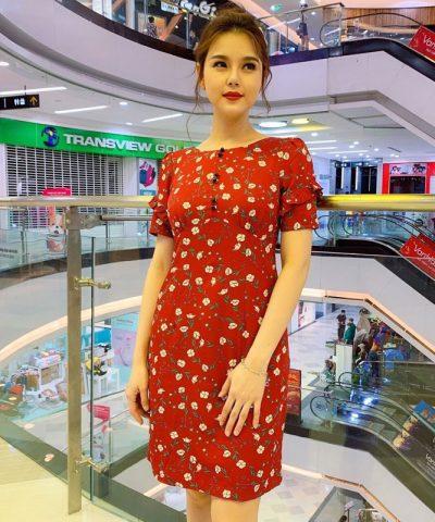 Đầm suông cổ thuyền màu đỏ tay lửng 2 tầng họa tiết hoa nhỏ xinh xắn
