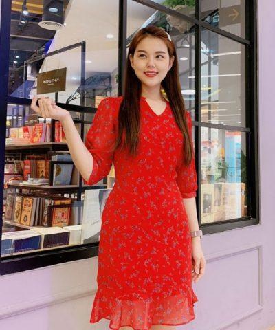 Đầm ôm cổ chữ V phối bèo ở phần váy sắc đỏ tươi trẻ hình 1