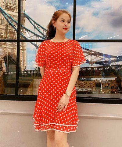 Đầm xòe cổ tròn tay cánh tiên sắc đỏ họa tiết chấm bi phối viền hình 1