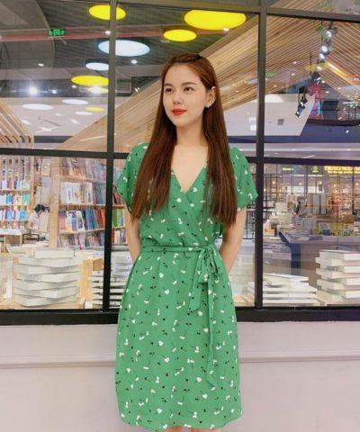 Đầm xòe phần cổ áo kimono thắt nơ ở eo màu xanh lá tươi trẻ hinh 1