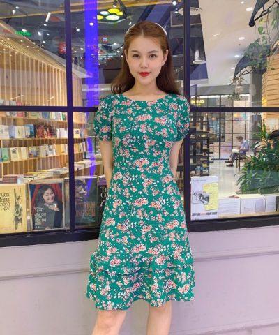Đầm xòe cổ tròn phối bèo tầng xanh lá cây họa tiết hoa xinh xắn hình 1