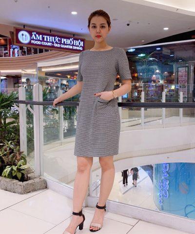 Đầm suông công sở tay lở họa tiết caro phối 2 túi trước váy