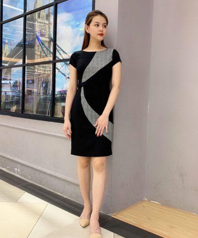 Đầm suông đen nổi bật với phần vòng cung caro và eo phối nơ xinh hinh 3
