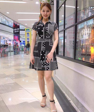 Đầm sơ mi sắc đen cách điệu với phần váy xòe phối bèo mối nối hình 2