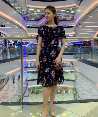 Đầm suông phần tay voan thắt nơ xinh xắn duyên dáng với váy voan hình 1