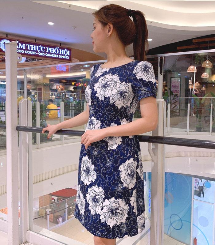 Đầm chữ A sắc xanh nổi bật độc đáo với họa tiết hoa và pattern hình 2