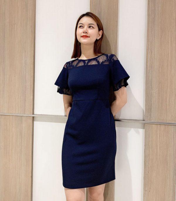 Đầm suông trơn màu với phần cổ phối ren cách điệu hình 3