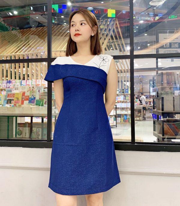 Đầm xanh chữ A bất với tay áo bất đối xứng hình 2
