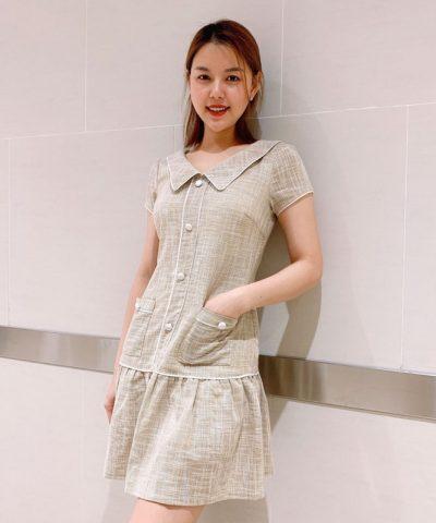 Đầm xòe cổ bẻ phối nút với phần váy bèo xếp ly hình 2