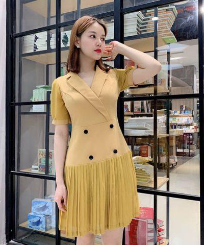 Đầm cổ V đắp chéo tùng váy dập ly màu vàng