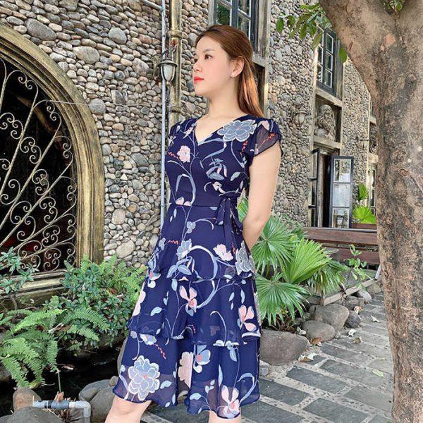 Đầm xòe cổ V 3 tầng màu xanh đen họa tiết hoa