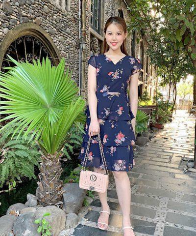 Đầm xòe cổ V 3 tầng xanh đen họa tiết hoa hồng thắt nơ eo