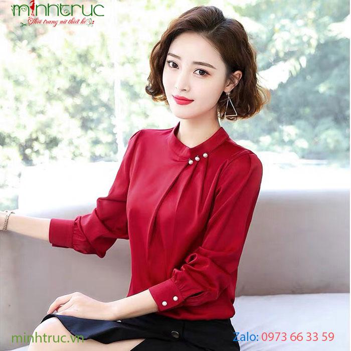 Áo kiểu nữ cổ trụ đính ngọc trai màu đỏ