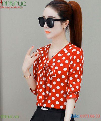 Áo kiểu nữ cổ V đỏ chấm bi lớn màu trắng