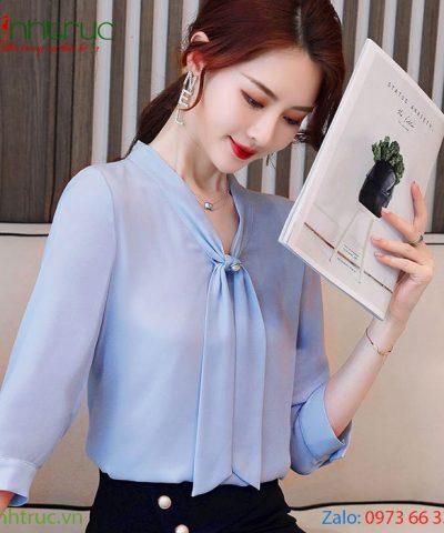 Áo kiểu nữ cổ V thắt nơ tay lỡ màu xanh biển nhạt
