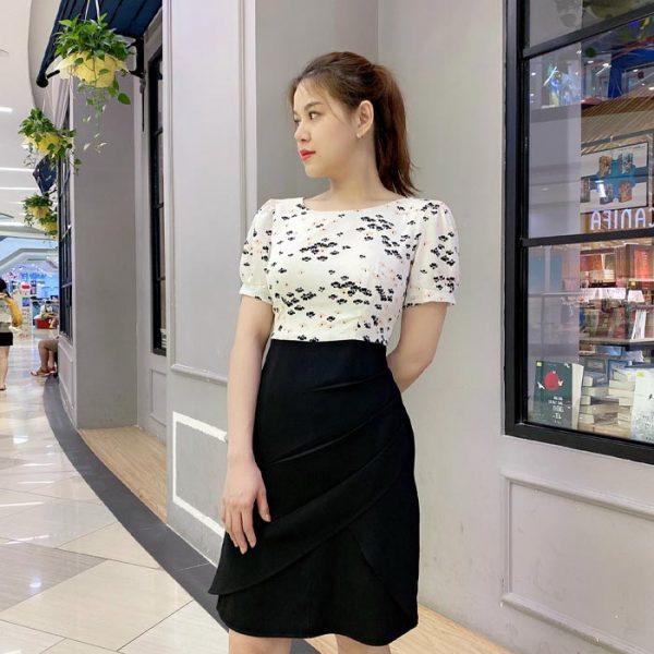 Đầm liền phối đen trắng hoạ tiết nhỏ