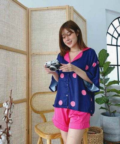 Đồ bộ short mặc nhà, áo tay cánh dơi màu xanh đen chấm bi hồng